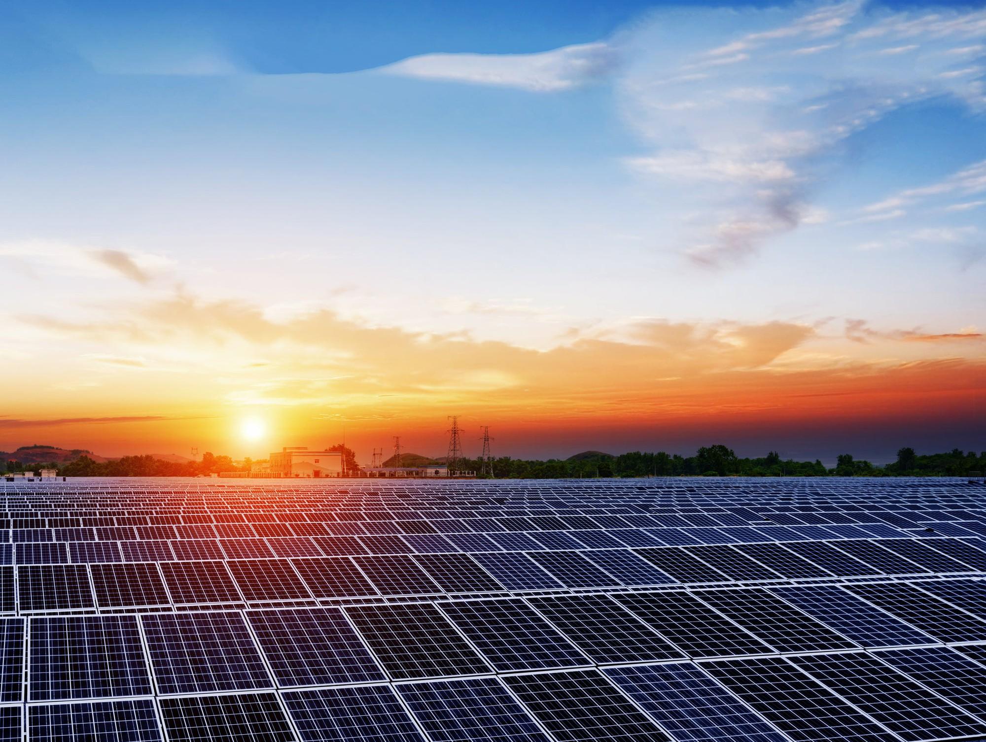 Sen. Stefanics and Rep. Roybal Caballero Introduce Community Solar Bill
